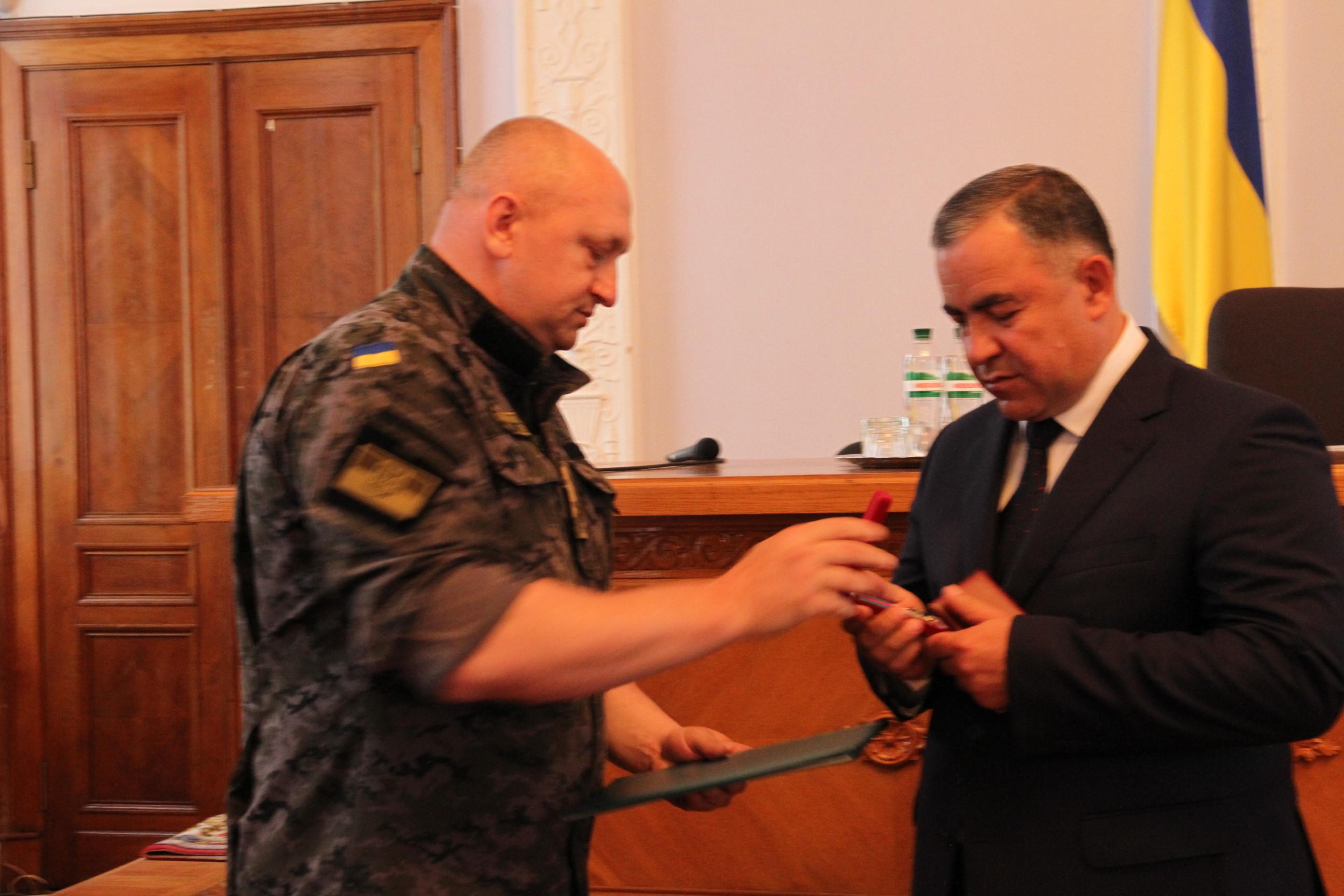 Мэр Николаева получил от Нацгвардейцев грамоту за помощь бойцам в зоне АТО (ФОТО), фото-2