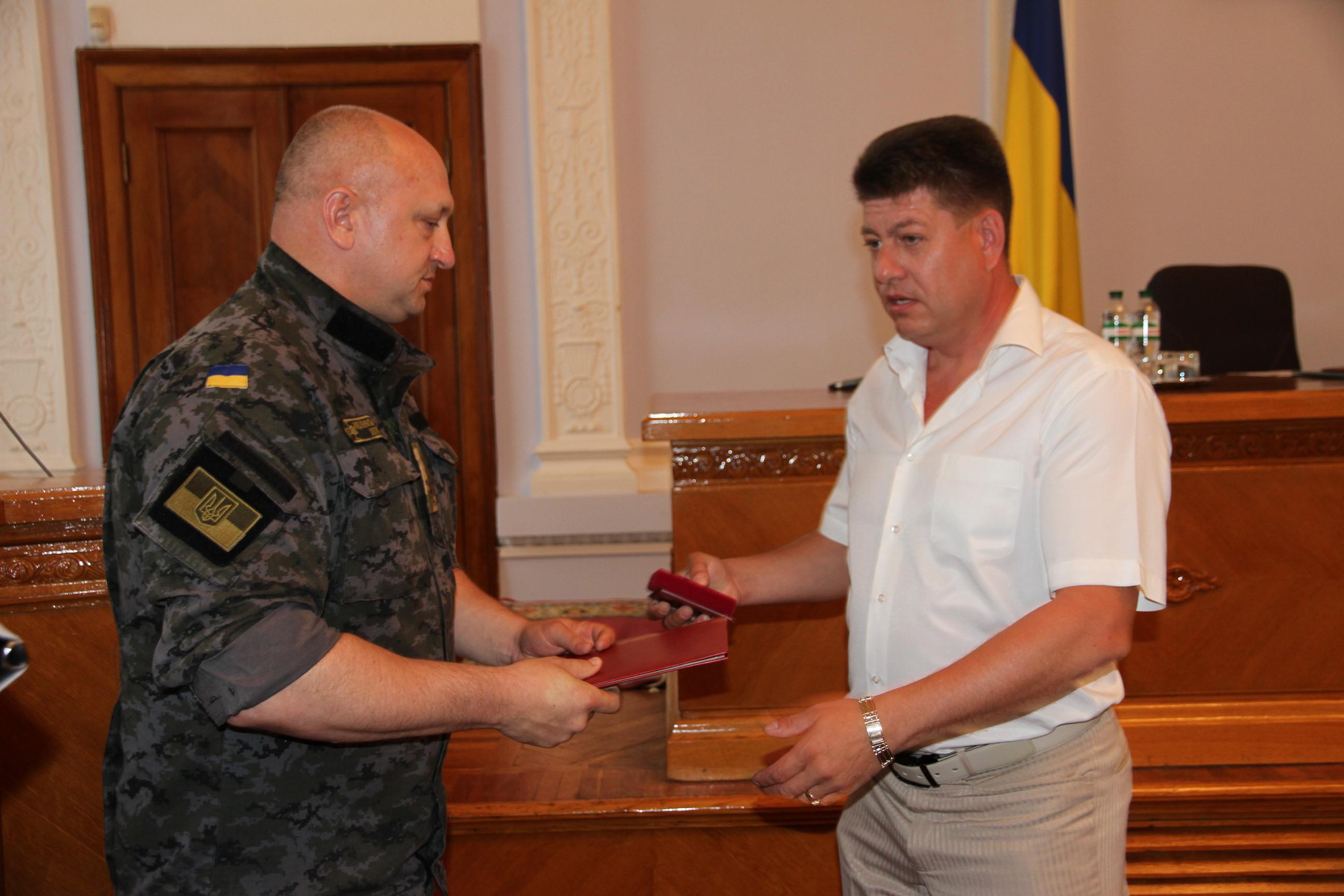 Мэр Николаева получил от Нацгвардейцев грамоту за помощь бойцам в зоне АТО (ФОТО), фото-4