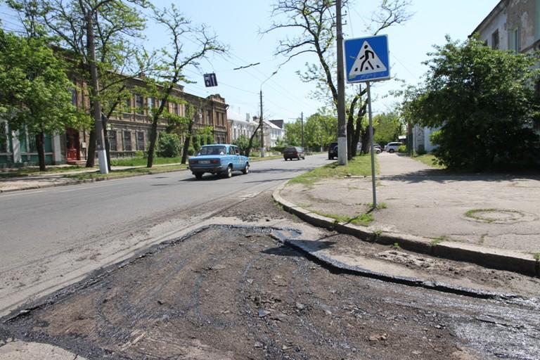 Николаевские дорожники латают Гражданскую и Лазурную (ФОТО) (фото) - фото 3